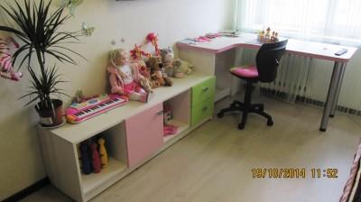 стол в детскую